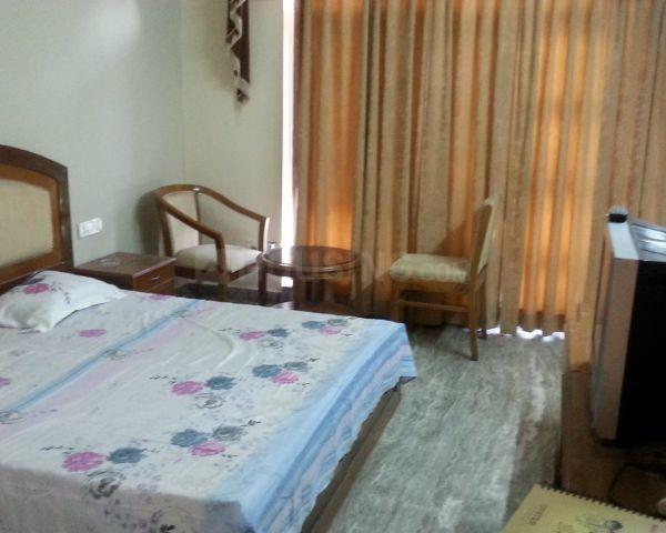 Bedroom Image of 340 Sq.ft 1 RK Apartment for rent in Sector 17 for 11999