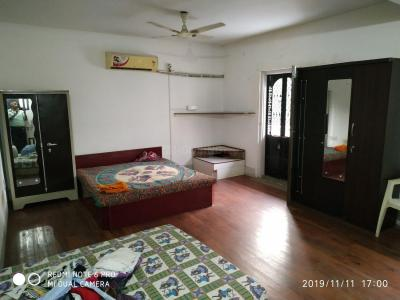 Gallery Cover Image of 2000 Sq.ft 3 BHK Independent Floor for rent in Bodakdev for 27500