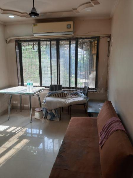 Living Room Image of 580 Sq.ft 1 BHK Apartment for rent in Borivali West for 23000