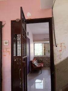 Gallery Cover Image of 750 Sq.ft 2 BHK Apartment for rent in Leo CHS, Vasai East for 10000