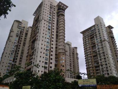 Gallery Cover Image of 1482 Sq.ft 3 BHK Apartment for buy in Rustomjee Ozone, Goregaon West for 37500000