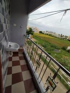 Gallery Cover Image of 600 Sq.ft 2 BHK Independent Floor for rent in Vengaivasal for 10000