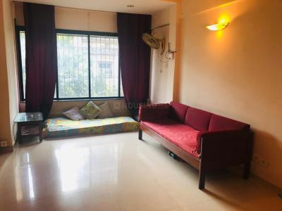Gallery Cover Image of 750 Sq.ft 2 BHK Apartment for rent in Santacruz West for 65000