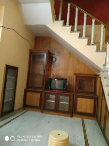 Gallery Cover Image of 1600 Sq.ft 3 BHK Independent House for rent in Koti for 25000