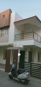 Gallery Cover Image of 1800 Sq.ft 3 BHK Independent House for rent in Bopal for 15000