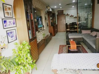 Gallery Cover Image of 1450 Sq.ft 2 BHK Apartment for rent in Bhowanipore for 60000