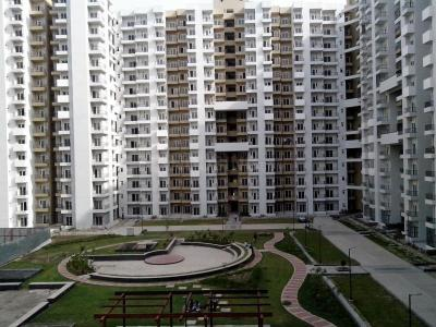 Gallery Cover Image of 945 Sq.ft 2 BHK Apartment for buy in 121 Homes, Sector 121 for 5600000