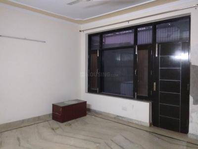 Gallery Cover Image of 1800 Sq.ft 3 BHK Apartment for rent in Sector 99 for 14000