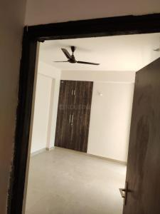 Gallery Cover Image of 1550 Sq.ft 3 BHK Apartment for rent in Supertech Cape Town, Sector 74 for 17500