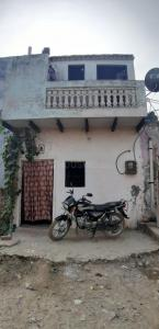 Gallery Cover Image of 360 Sq.ft 2 BHK Independent House for buy in Suthiyana for 1200000