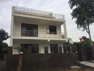 Gallery Cover Image of 1000 Sq.ft 2 BHK Independent House for rent in Surajpur for 10000