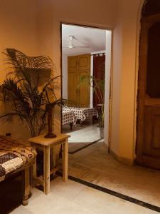 Gallery Cover Image of 1400 Sq.ft 3 BHK Independent Floor for rent in Sector 36 for 32000