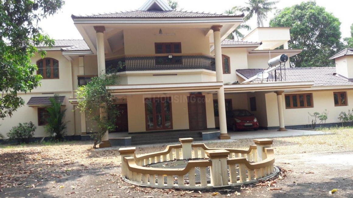 Building Image of 4000 Sq.ft 8 BHK Independent House for buy in Kanjikuzhi for 63000000