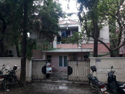 Gallery Cover Image of 3000 Sq.ft 4 BHK Independent House for buy in Kodambakkam for 34000000