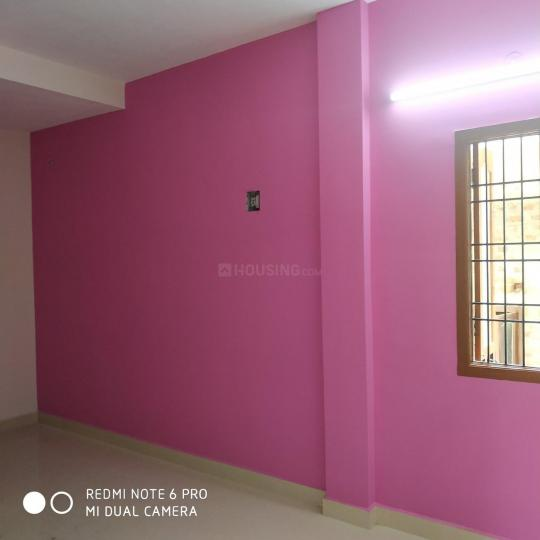 Living Room Image of 600 Sq.ft 2 BHK Apartment for rent in Mudichur for 8500