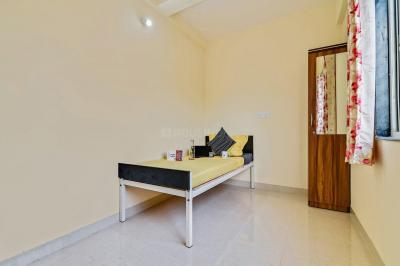 Bedroom Image of Oyo Life Pun833 in Hadapsar