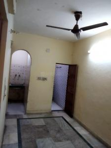 Gallery Cover Image of 400 Sq.ft 1 BHK Independent Floor for buy in Kalkaji for 4000000