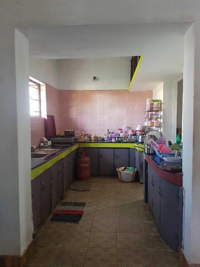 Kitchen Image of 3328 Sq.ft 4 BHK Independent House for buy in Vellalore for 14500000