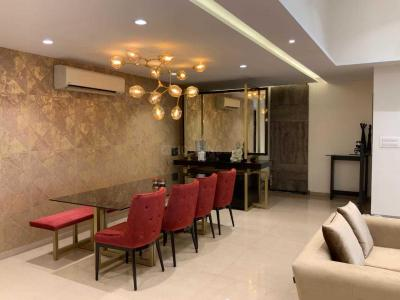 Gallery Cover Image of 2640 Sq.ft 4 BHK Apartment for rent in Juhu for 300000