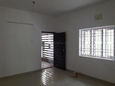 Gallery Cover Image of 830 Sq.ft 2 BHK Apartment for rent in Valasaravakkam for 25000