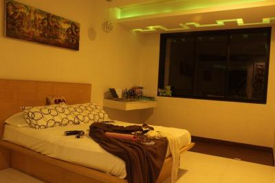 Gallery Cover Image of 1275 Sq.ft 3 BHK Apartment for buy in Redwoods, Mulund West for 25000000