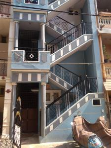 Gallery Cover Image of 1200 Sq.ft 3 BHK Independent Floor for rent in Konanakunte for 15000