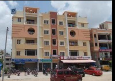 Gallery Cover Image of 1650 Sq.ft 3 BHK Apartment for rent in Aashritha Meadows, Manikonda for 20000
