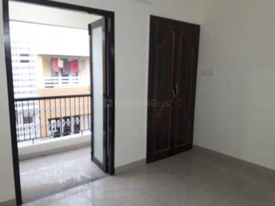 Gallery Cover Image of 1000 Sq.ft 2 BHK Apartment for rent in Velachery for 23000