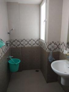 Gallery Cover Image of 1625 Sq.ft 3 BHK Apartment for rent in Kharar for 26000