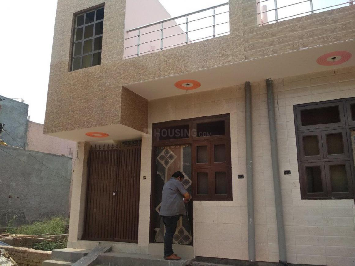 Building Image of 450 Sq.ft 1 BHK Independent House for buy in Lal Kuan for 1700000