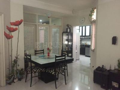 Gallery Cover Image of 1800 Sq.ft 3 BHK Apartment for rent in DLF Carlton Estate, DLF Phase 5 for 45000