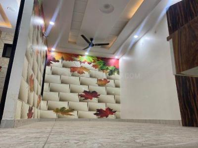 Gallery Cover Image of 700 Sq.ft 3 BHK Apartment for buy in Uttam Nagar for 3700000
