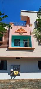 Gallery Cover Image of 450 Sq.ft 1 BHK Independent House for rent in Red Hills for 300000