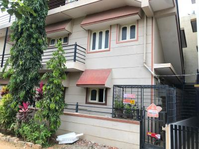 Gallery Cover Image of 1400 Sq.ft 1 BHK Independent House for rent in Bommanahalli for 9000