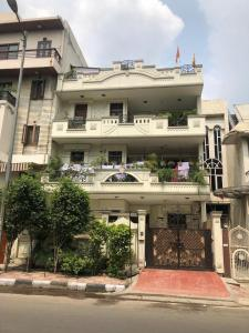 Gallery Cover Image of 5400 Sq.ft 10 BHK Independent House for buy in Vivek Vihar for 91500000