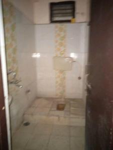 Bathroom Image of 600 Sq.ft 1 BHK Apartment for buy in Sri Srinivasa Apartments, Kothapet for 2500000