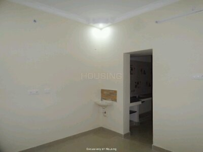 Gallery Cover Image of 650 Sq.ft 2 BHK Independent Floor for buy in Sithalapakkam for 3800000