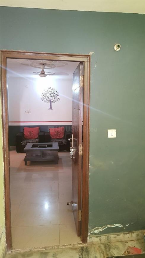 Main Entrance Image of 700 Sq.ft 1 BHK Apartment for rent in Chhattarpur for 16000
