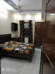 Gallery Cover Image of 700 Sq.ft 2 BHK Independent Floor for rent in Rajinder Nagar for 37000