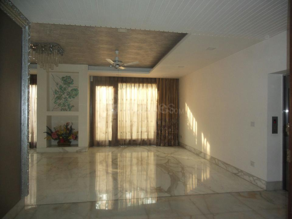 Living Room Image of 15000 Sq.ft 5+ BHK Independent House for buy in Dera Mandi for 200000000
