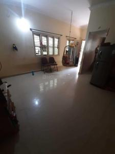 Gallery Cover Image of 1000 Sq.ft 2 BHK Independent House for rent in Yemalur for 12000