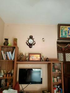 Gallery Cover Image of 425 Sq.ft 1 BHK Apartment for buy in Malad West for 6900000