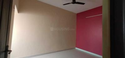 Gallery Cover Image of 1200 Sq.ft 3 BHK Apartment for buy in Pozhichalur for 5200000