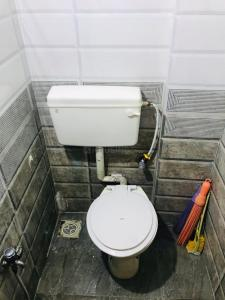 Bathroom Image of Rready To Move Always Call 8928762035 in Andheri West