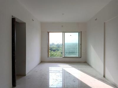 Gallery Cover Image of 1350 Sq.ft 3 BHK Apartment for buy in Malad West for 20300000