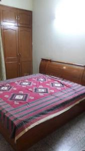 Gallery Cover Image of 1700 Sq.ft 3 BHK Apartment for rent in Sector 12 Dwarka for 25000