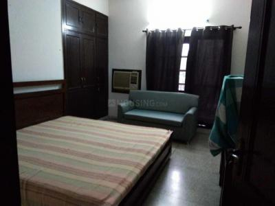 Gallery Cover Image of 1650 Sq.ft 3 BHK Apartment for rent in Asha Deep Apartments, Sector 2 Dwarka for 26000