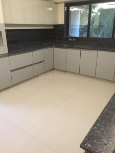 Gallery Cover Image of 3500 Sq.ft 4 BHK Apartment for rent in Juhu for 450000