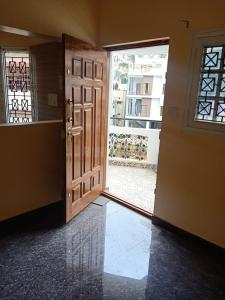 Gallery Cover Image of 700 Sq.ft 1 BHK Independent House for rent in C V Raman Nagar for 16000