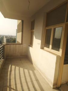 Gallery Cover Image of 2500 Sq.ft 3 BHK Apartment for rent in Sector 2 for 20000